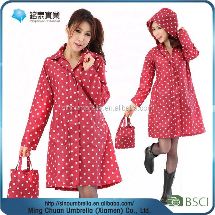 Lady's Polyester dots printing water proof raincoat for motorcycle riders with a bag