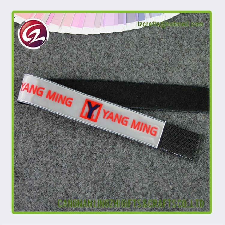 Hot sell customized glow in the dark snap wristbands