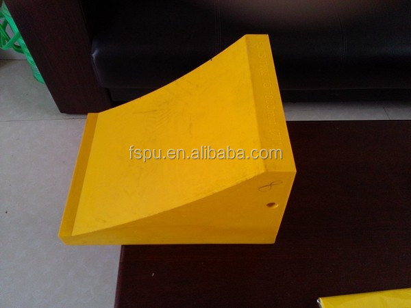 Trailer PU wheel chock for 200 tons Truck weight 20KG polyurethane Wheel stopper