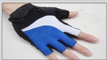 2016 new style size selected sports gloves/ fashion heated half short finger bicycle gloves for men and women