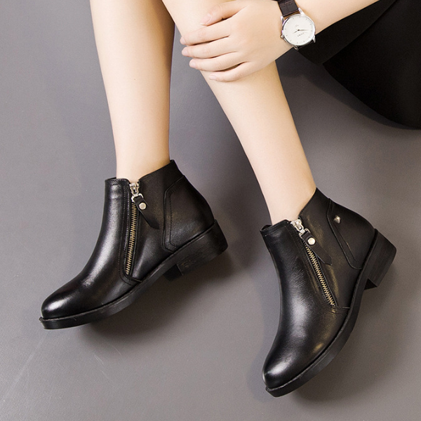 SW3006 Real leather black color women flat heel ankle boots with zipper