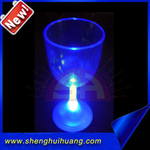 Party supplies flashing red wine cups for bar, wedding decoration led light up novelty glass wholesale