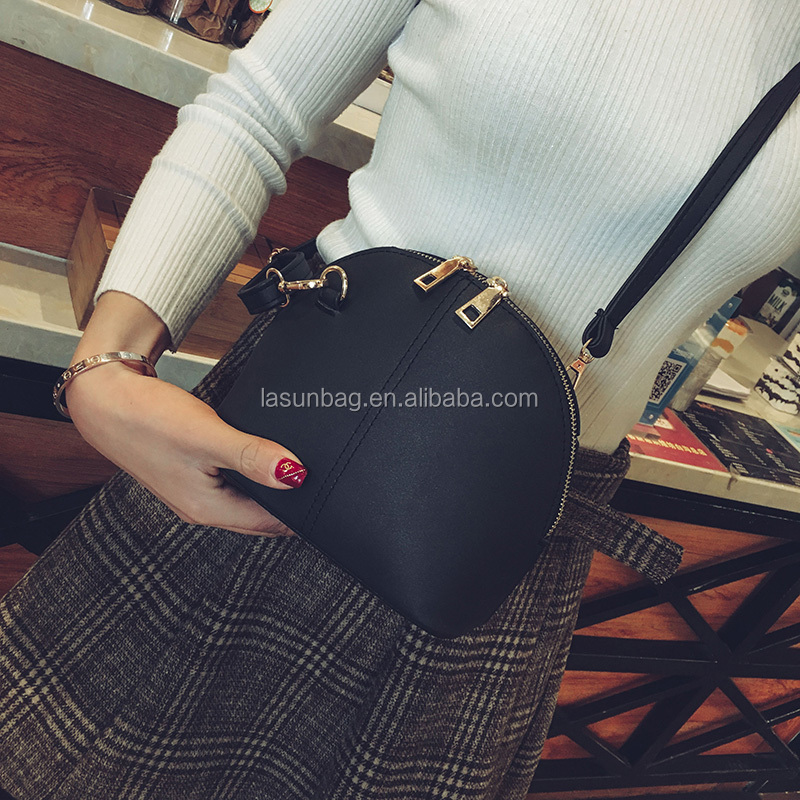 Hot Sale Small Shell Design Ladies Messenger Bag Flash Italian Leather Shoulder Bags