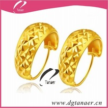 hot pictures of gold earring