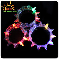 Unisex Birthday Party Favor Multi Colored Metal buckle 8 lights LED Flashing Spike bracelet