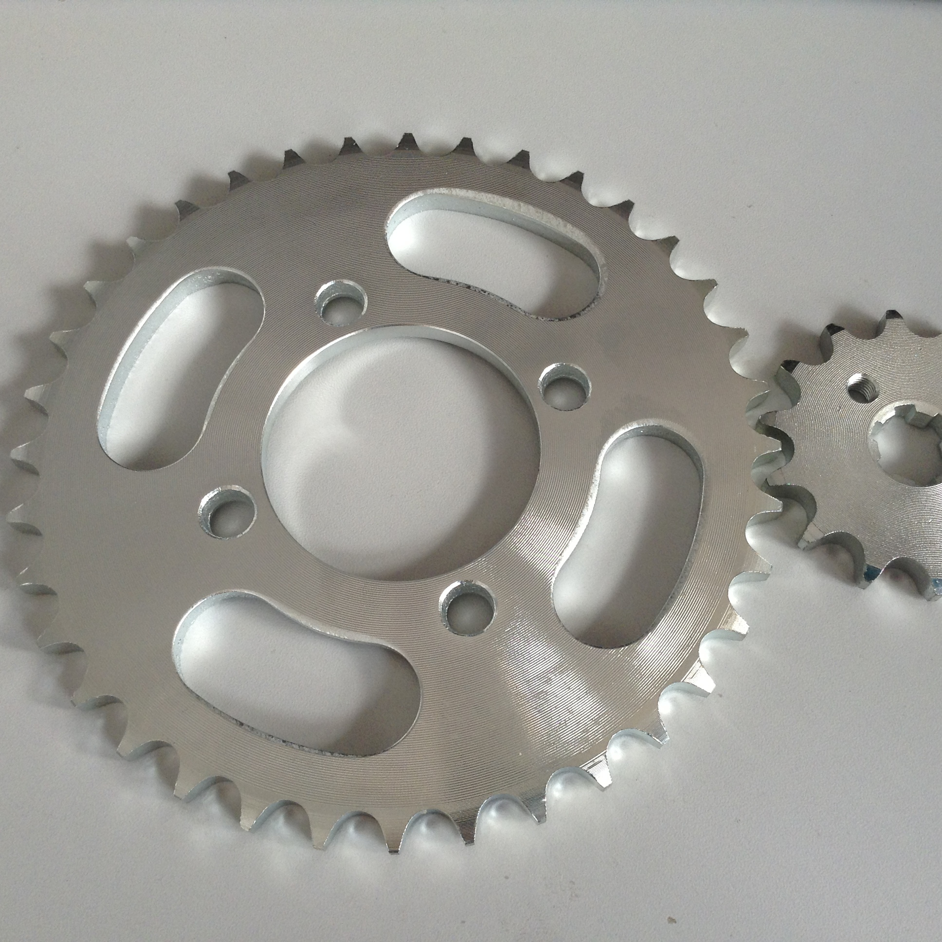 A3 white zinc <strong>C100</strong> motorcycle <strong>sprocket</strong> sets