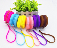 2016 Popular Macaron Shaped Mini Wristband Silicone Purse Bag with zipper