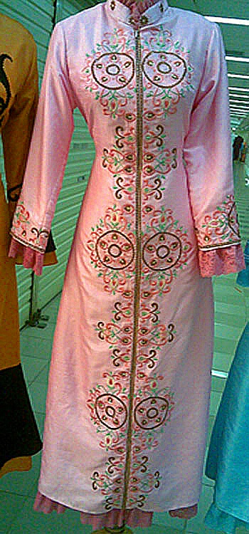 Gown Renda Persia