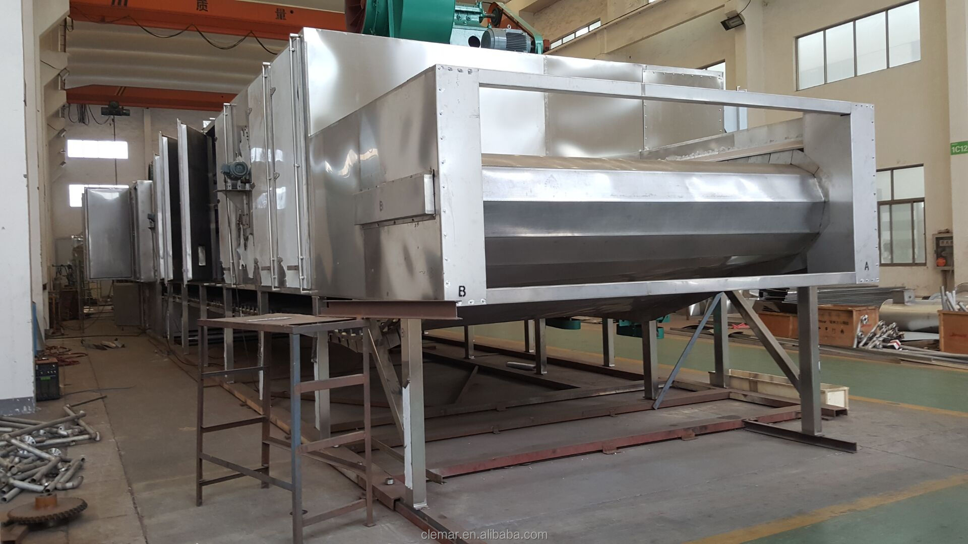Maltose liquid vacuum belt dryer