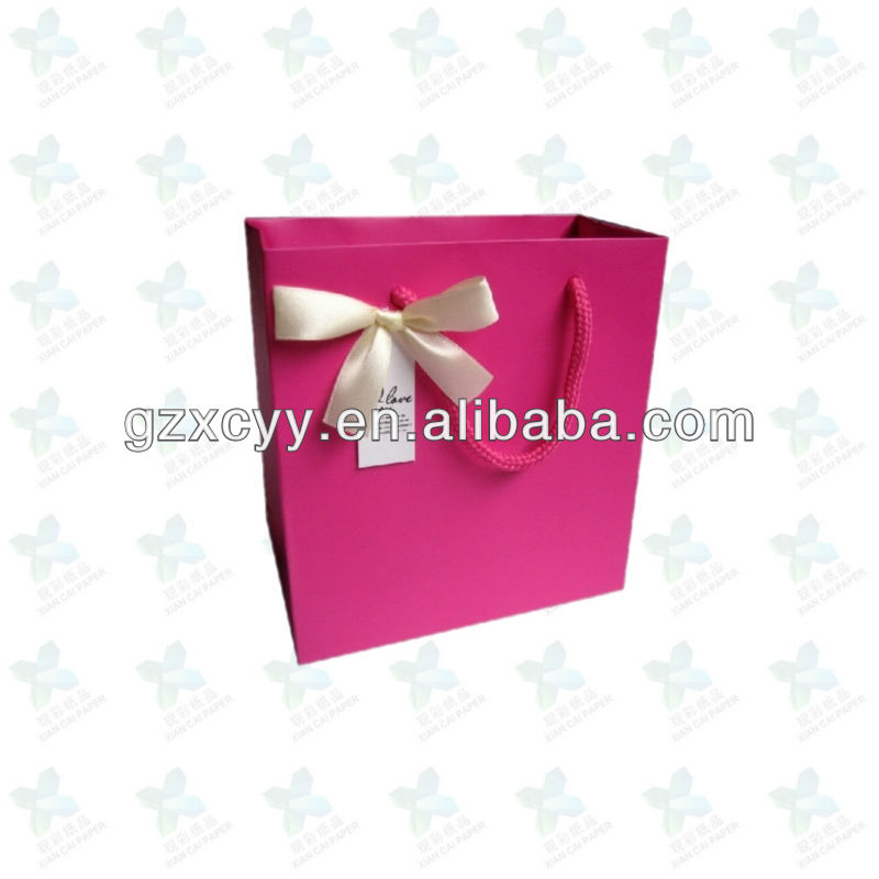 Gift package paper shopping bag with cotton handles