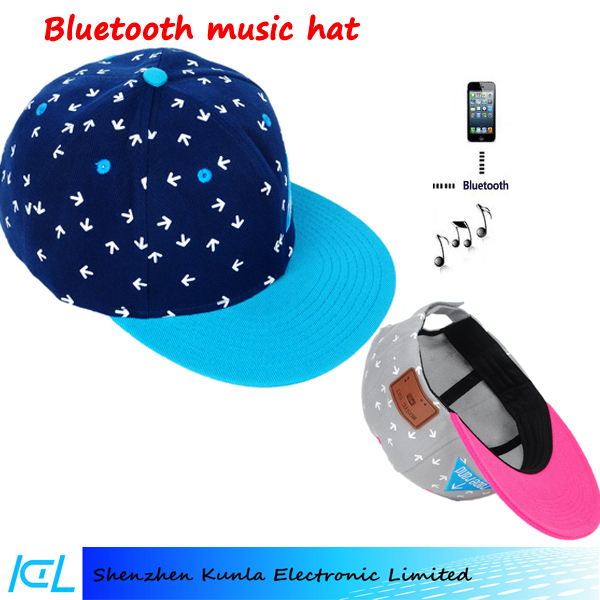 2017 fashionable bluetooth baseball cap hat with volume + -