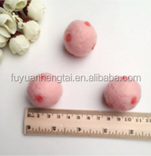 100% Wool Felt Dryer Ball for Laundry and home decoration