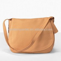 Crafted Leather Shoulder Bag Diagonal Package