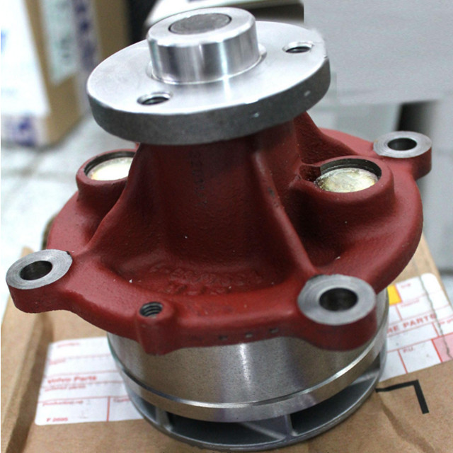 Truck cooling system VOLVO water pump 21404502