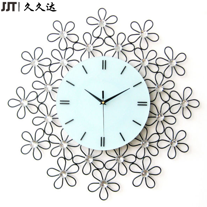 Promotional Metal Flower Shape Quartz Wall Mounted Clock Factory Wholesale
