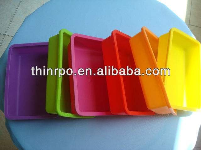 Silicone Muffin & Cake Baking Pan / Non - Stick / Dishwasher tray - Microwave Safe