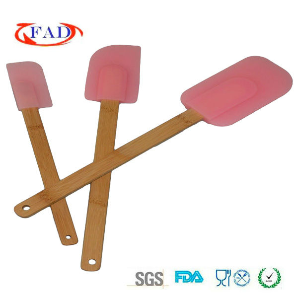 Beautiful Pink Color Silicone Cupcake Bake Set Tools With Bamboo Handle