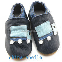 animal head christmas hello kitty cheap girl running spring new style box wholesale baby born shoes
