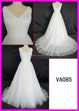 2016 new style V-neckline tulle ball gown new design wedding gowns
