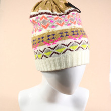 Jacquard pattern woman winter knitted beanie hat