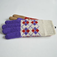 Wholesale various color winter knitted gloves