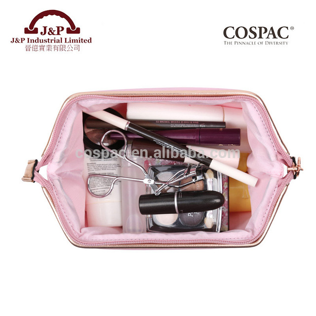 Reliable and good customization cosmetic bag with qualified certificates
