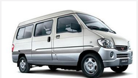 2016 Toyota haice copy van ( 4000 USD )