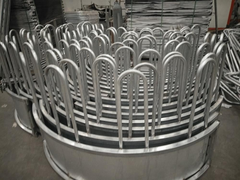 Horizontal & Vertical pipe: 50mm x 50mm RHS with fully welded caps Cattle yard swing gates