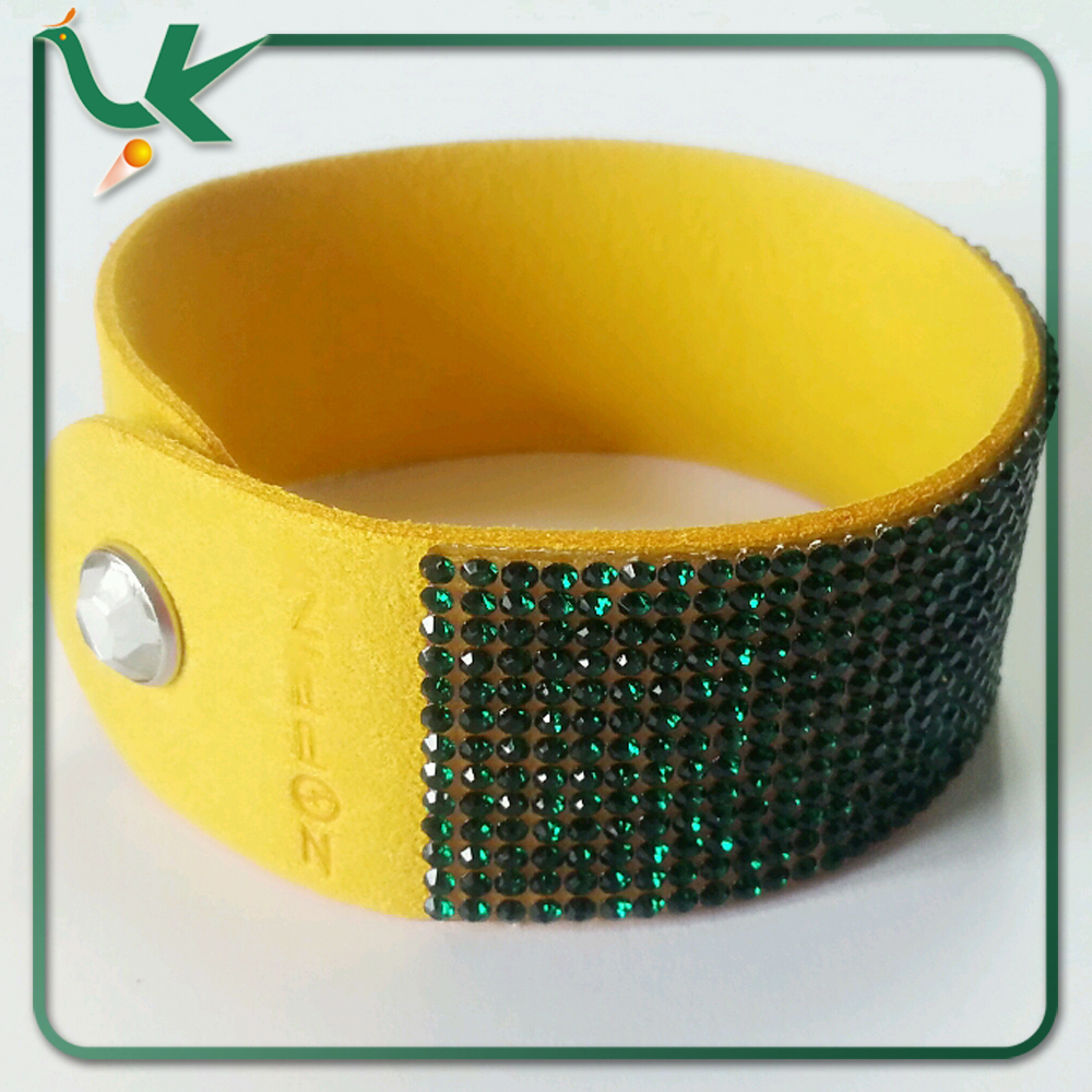 Bling Bling Crystal Rhinestones Soft Comfortable Velvet, Adjustable Size Button Clasps Brazil Flag Bracelet