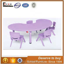 High Quality Bean Shape Children Plastic Table with Chairs Set