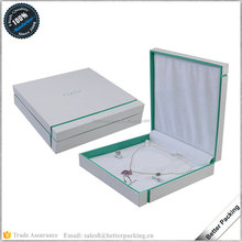 White and Verdancy Fancy Designed Paper Hinged Jewelry Gift Case