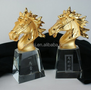Golden Horse Head Trophy With Crystal For Cooperate Gifts