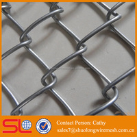 various made in china chain link fence poles top barbed wire