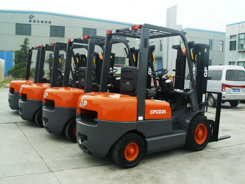 5 Ton TCM forklifts for Warehouse Transportation