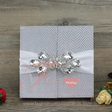 Customized Ribbon And Buckle Royal Silver Faus Silk Folio Wedding Invitation Box