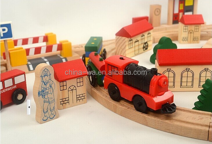 confirm to ASTM and EN71 Electric locomotive, 80pcs railway wooden train set