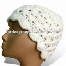 Children's Handmade White Jarcquard Beanie Hat, Suitable for Kids, with Cable Pattern