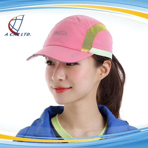 Factory Direct Sale Sports Hat Baseball Cap with Built-in Led Light