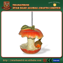 Cute apple cores and bird design decoration custom resin bird feeder wholesale