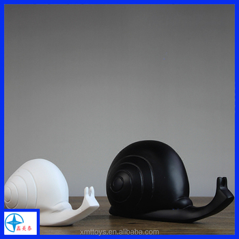 Abstract Snail Statue in resin crafts,White or black Snail