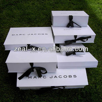 New fashion Custom Matt White Ribbon Folding Gift Box For Garment