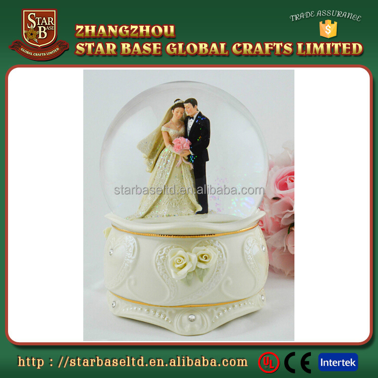 Custom wedding couple favors snow globe