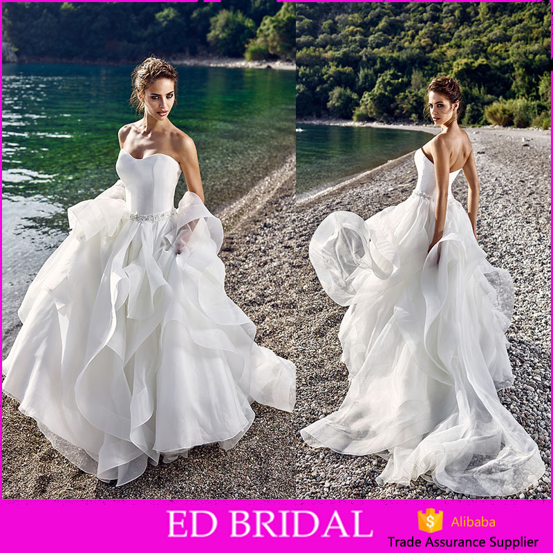 High Quality Strapless A-line Crystal Sash Ruffles Skirt Organza Western Patterns Bridal Wedding Dress