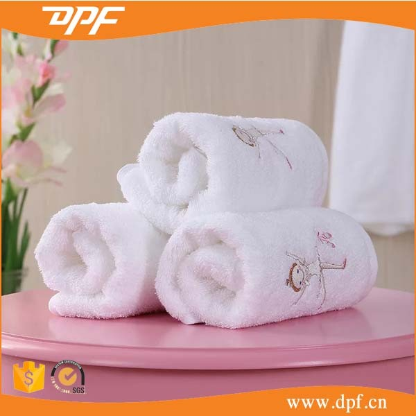 Baby Care Egyptian Cotton Velvet Towel Children Towels with Cartoon Embroidery