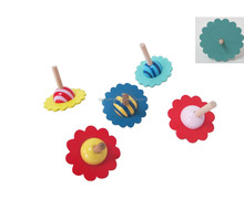 Kids Classic Wooden Flower-shaped Peg-top Spinning Top Toy