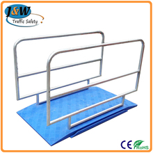 Plastic Safety Trench Cover with Iron Barrier for Road Work