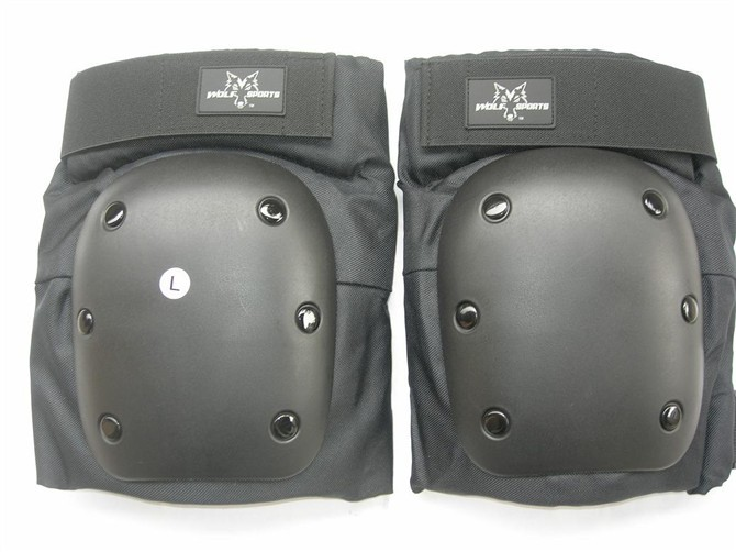Top grade knee pads for outdoor skiing skateboarding protective equipment