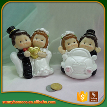 Polyresin Wedding Couple Figurine With Magnet For Decoration