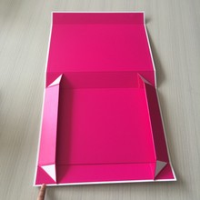 2015 Popular Hot Sale Luxury Magnet Folded Box Packaging With Pink Printing