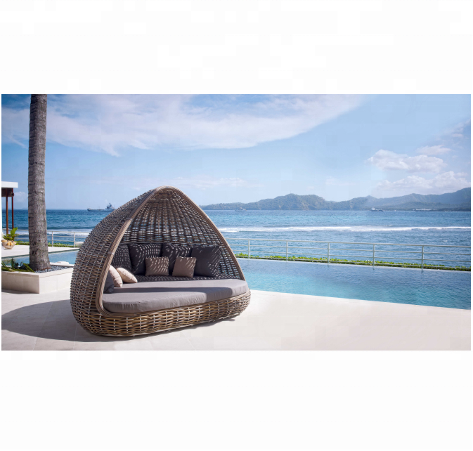 All weather outdoor pool sunbed antique round rattan daybed